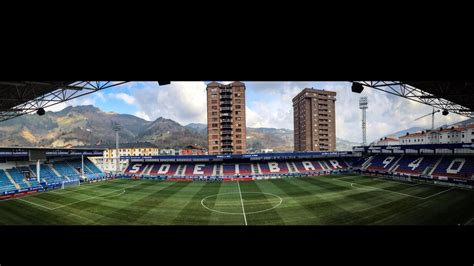 The players arrive at Eibar s stadium   YouTube