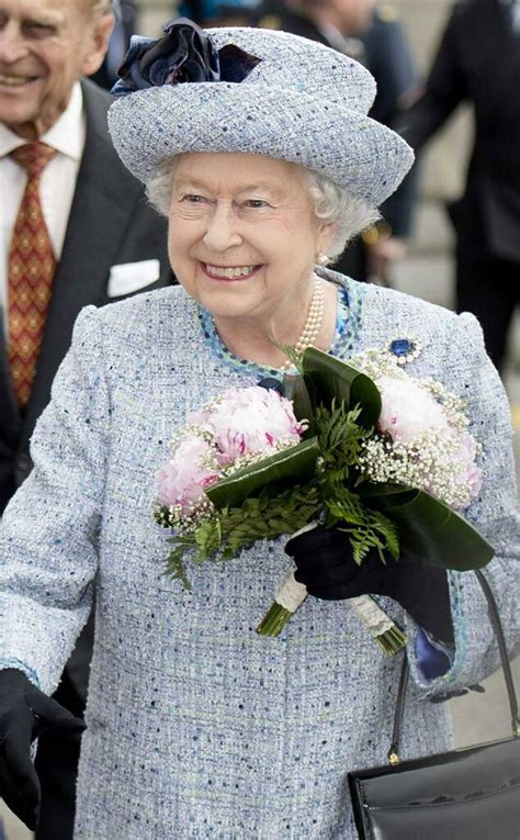 The Queen at 90: Style Secrets of the Most Beloved Fashion ...