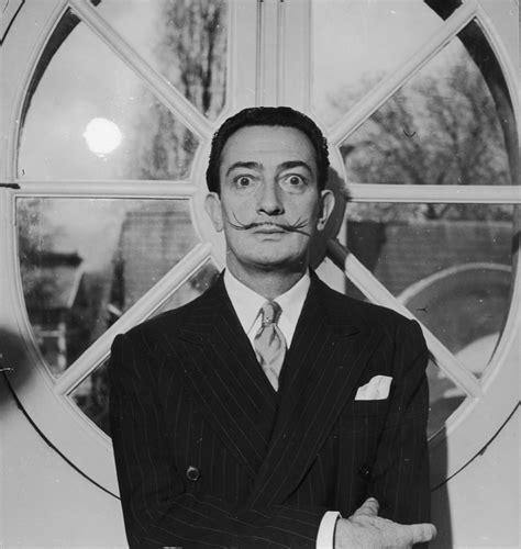 The Surrealist Style of Salvador Dali.   A Continuous Lean.