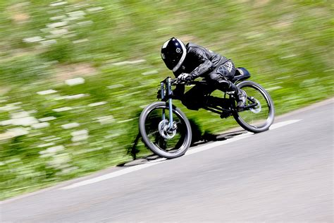 The Yasujiro Speedbike :: Asphalt Gravity Concept Bike ...