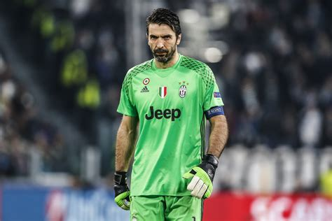 These Are The Best Goalkeepers Of All Time