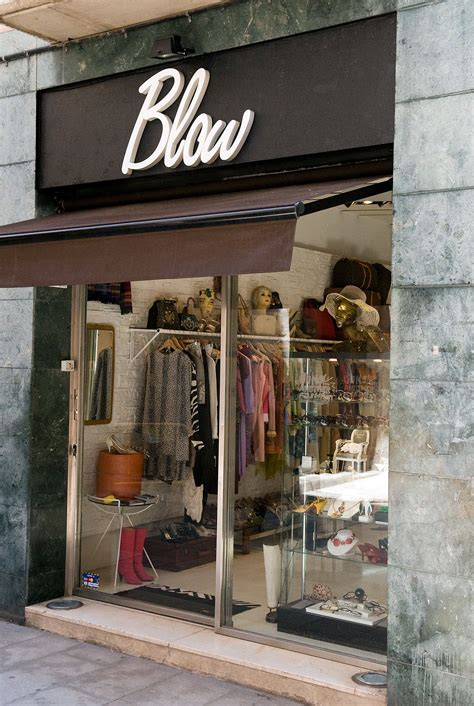 Tienda vintage Blow | Fachada de boutique, Decorar tiendas ...