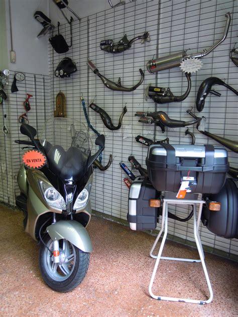 Tienda y Taller de Motos en Barcelona: Tienda y taller de ...