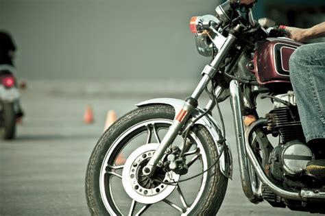 Tipos de carnet de moto: información sobre exámenes prácticos