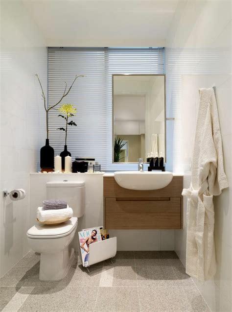 Tocadores y lavabos flotantes para el cuarto de baño