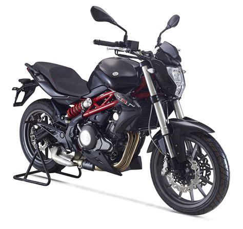 Todo sobre motos: Benelli TNT 30