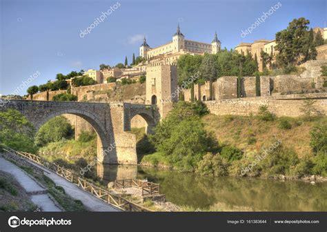 Toledo na Espanha — Stock Photo  JanKranendonk #161383644