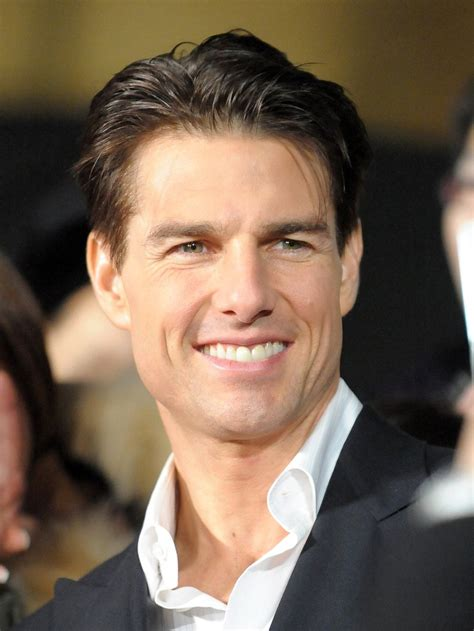 Tom Cruise Height Weight Body Statistics Biography ...