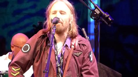tom petty live at Fenway Park, 0814 Runnin Down A Dream ...