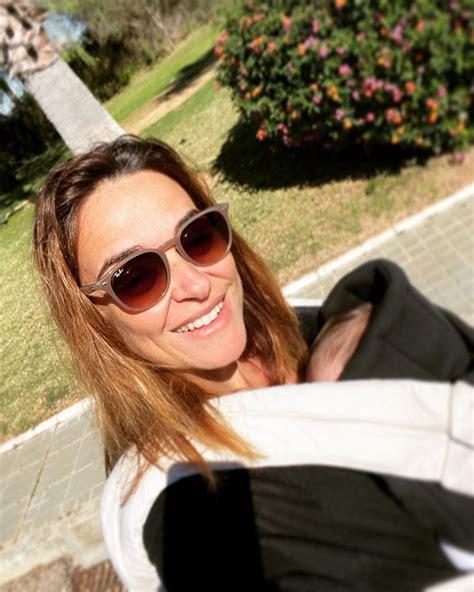 Toñi Moreno coge fuerza y vitamina D con su hija Lola