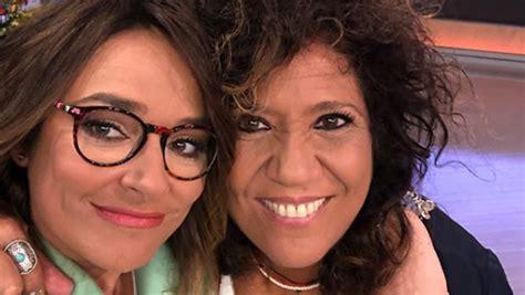 Toñi Moreno y Rosana, abrazadas y muy acarameladas en ...