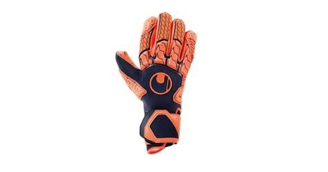 Top 10 best goalkeeper gloves 2020 [Buying Guide]   FOOTY ...