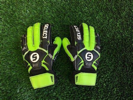 Top 10 Best Goalkeeper Gloves in 2019
