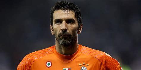 Top 10 Best Goalkeepers of All Time   Legendary Soccer Goalies