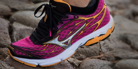 Top 10 Running Shoes For Women Athletes 2017  UPDATED ...