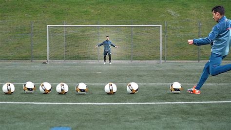 TOP 5   Goalkeeper Training Drills by Karol I freekickerz ...