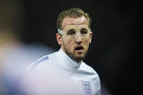 Tottenham s Harry Kane to play without protective mask at ...