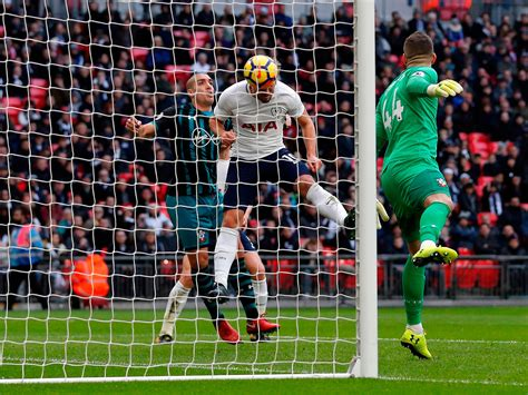 Tottenham vs Southampton live: Harry Kane breaks Alan ...