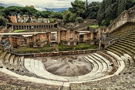 Tour Pompeia  Tour Bate e Volta a partir de Roma ...