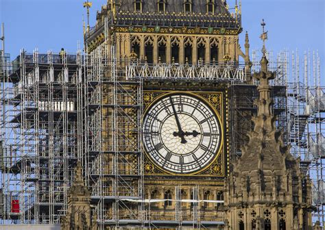 Tourists leave unhappy reviews about Big Ben s construction