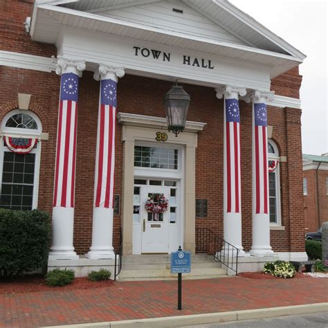 Town Hall decorated for Returns Day   Georgetown, Delaware ...