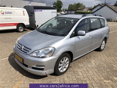 TOYOTA Avensis Verso 2.0 #69314   used, available from stock