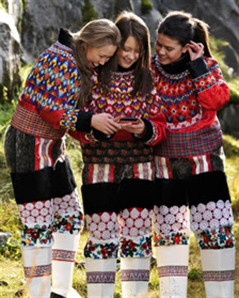 Traditional Cloths in The World: ABOUT GREENLAND