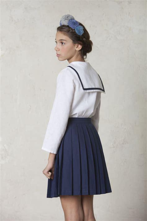 Traje de marinero de niña para comunión de lino con falda ...