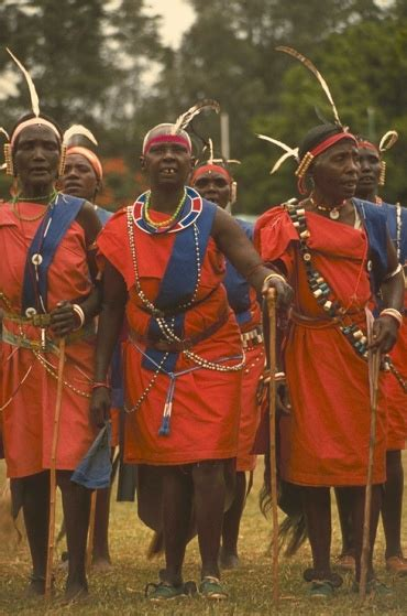 Trajes de Kenia | Africa, Black women, Kenyan