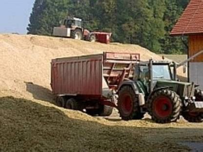 Transporte bei der Maisernte  mit oder ohne Zugfahrzeug