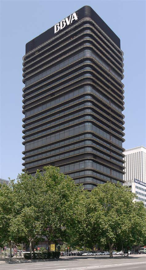 Tras 17 años, la Torre BBVA de Sáenz de Oiza, es declarada ...