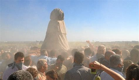 Traslado de la Virgen del Rocío en Almonte 2019