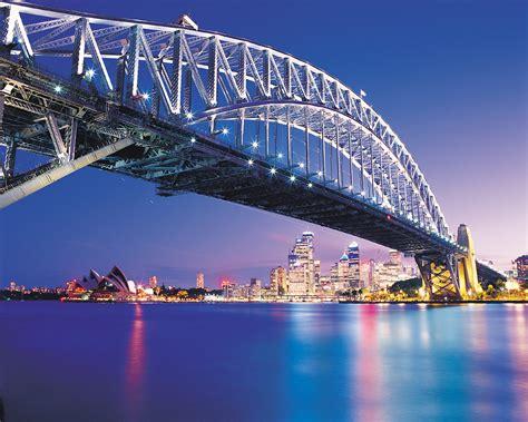 Travel Toursim: Sydney Harbour Bridge, Australia