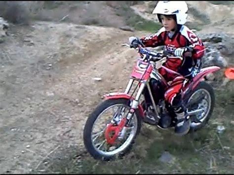 Trial niños moto infantil con 8 años en Vélez Málaga  Las ...