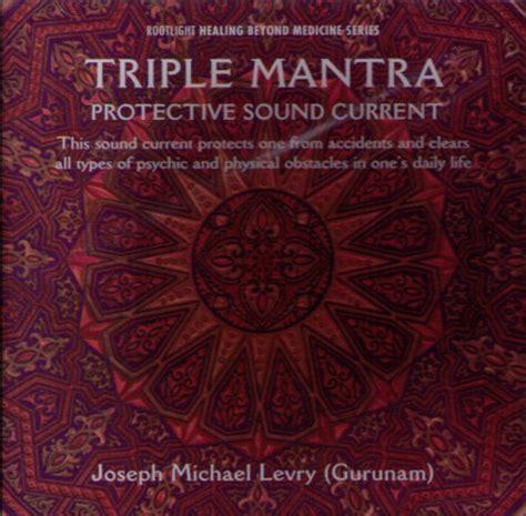 Triple Mantra   CD av Gurunam hittar du på rootlight ...