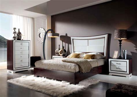 Trucos para decorar un dormitorio matrimonial