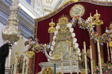 Un altar inédito a la Virgen del Rocío para celebrar un ...