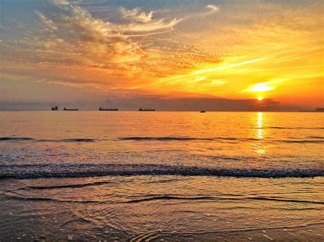 Un amanecer de puro verano | EL TOMAVISTAS DE SANTANDER