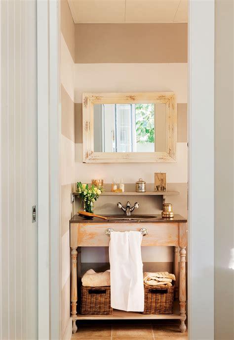 Un baño a tono con la casa | Muebles para baños pequeños ...