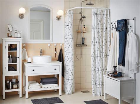 Un baño ordenado con almacenaje cerrado   IKEA