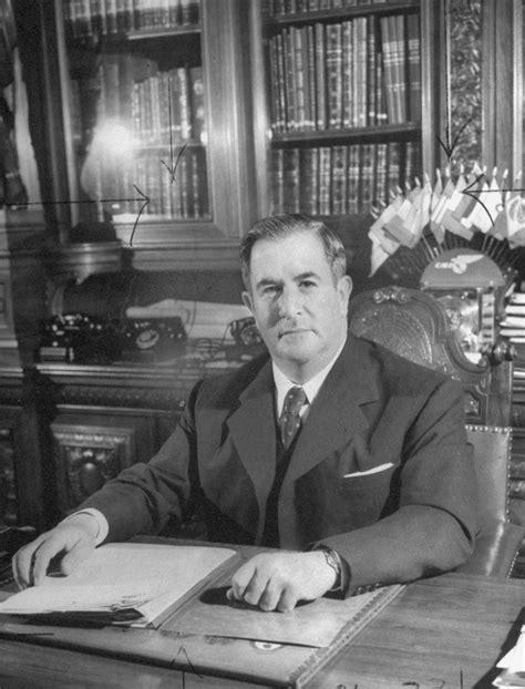 Un día como hoy muere Manuel Ávila Camacho   Gregorio Martínez