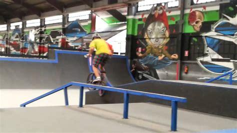 Un dia en el Green Indoor Park | Roger Balcells   YouTube