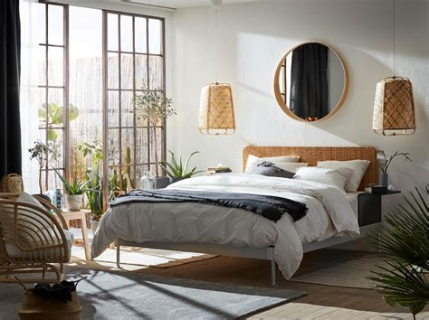 Un dormitorio con materiales naturales   IKEA