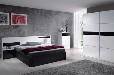 Un dormitorio joven y moderno perfectamente conjuntado en ...