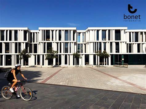 Un edificio singular por su fachada, pero también por su ...