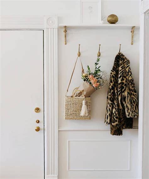 Un recibidor minimalista y funcional en 2020 | Zocalos ...