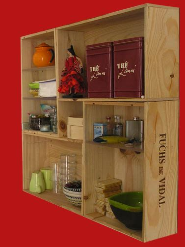 Un rincón de mi casa: Estantería con cajas