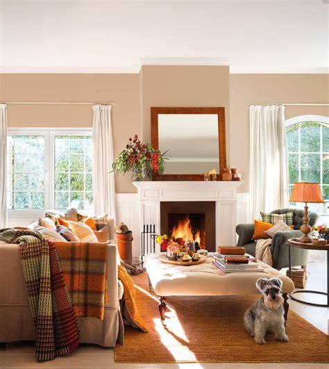 Un salón de invierno muy cálido y acogedor, frente a la ...