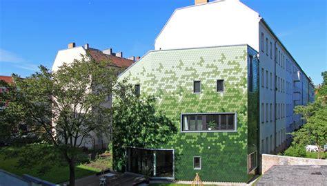 Una fachada verde con mucho diseño y gusto | OVACEN