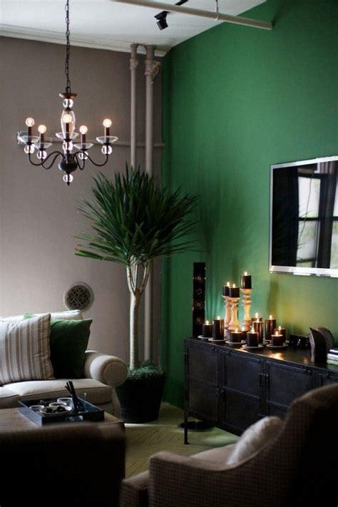 una pared verde esmeralda | Colores de interiores, Diseño ...
